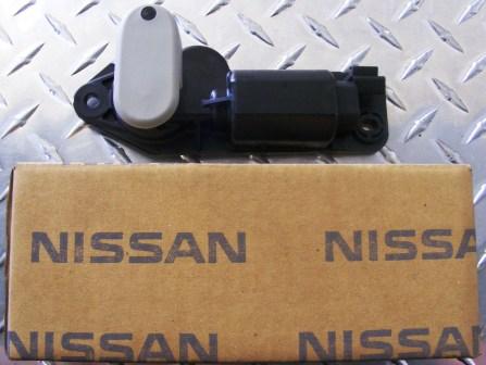 Power Window Motor - Nissan Elgrand E51 - RH Rear