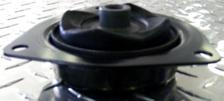 Suspension Strut Top Insulator - Nissan Elgrand E50