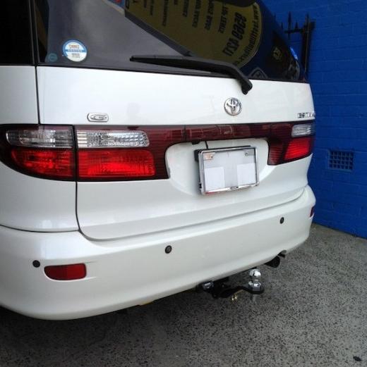 Tow bar kit -Toyota Estima